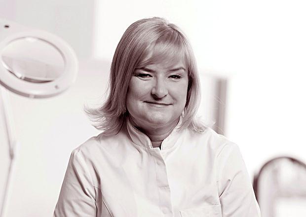 Dr Ewa Chlebus
