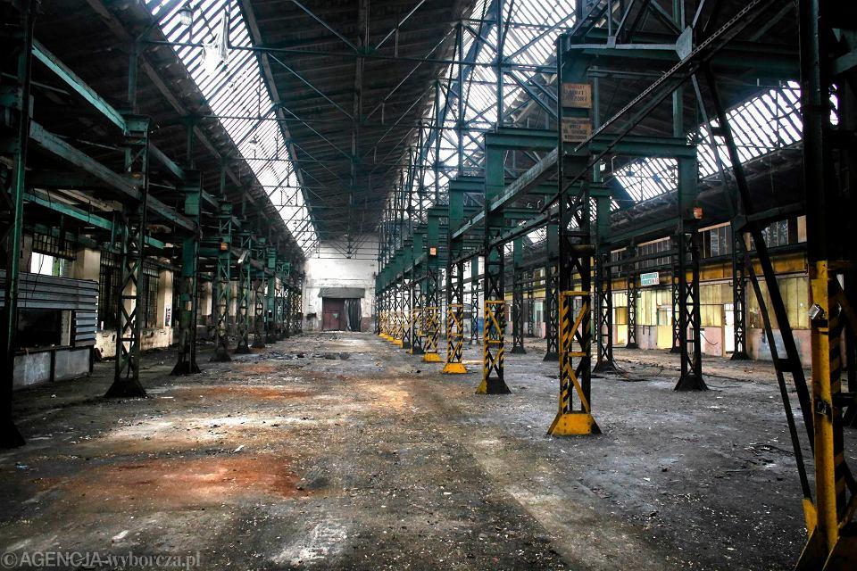 Hale i teren po zlikwidowanej fabryce obrabiarek Ponar-Defum w Dąbrowie Górniczej
