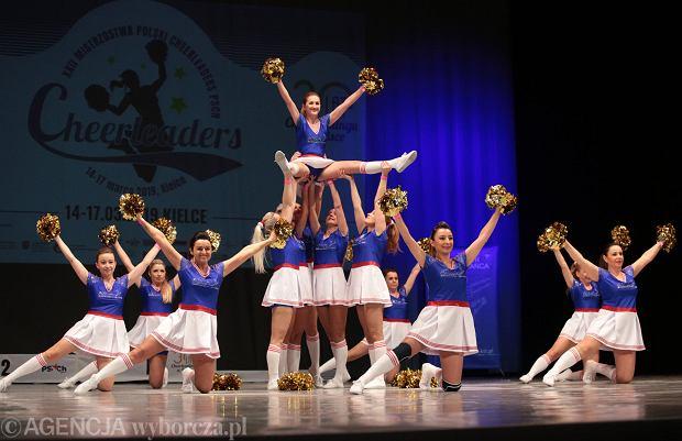 Zdjęcie numer 10 w galerii - Cheerleaderki rywalizują w Kielcach. Bo taniec nie jedną ma twarz [ZDJĘCIA]