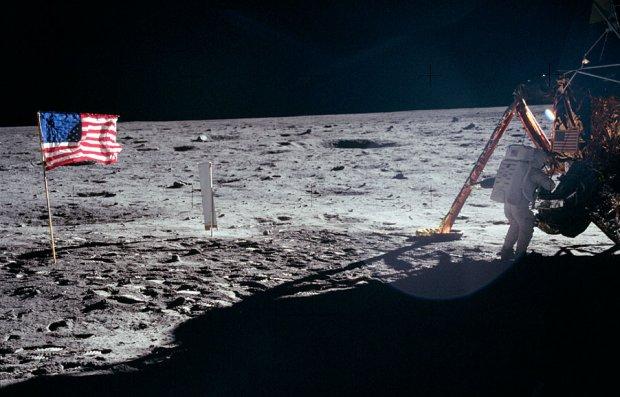 Zdjęcie numer 0 w galerii - 46 lat temu człowiek stanął na Księżycu