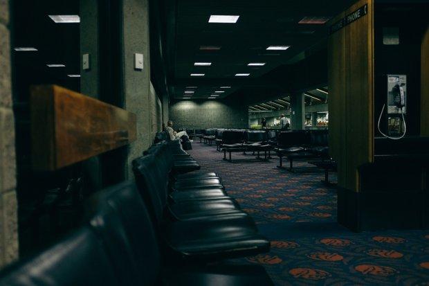 Pustki w miejscu, z którego ma odlecieć twój samolot, to zawsze niepokojący widok / fot. CC 0 Glen Noble