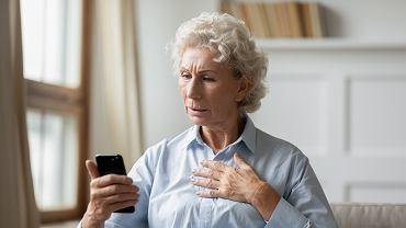 Pomimo szeroko zakrojonych akcji społecznych i wielu apeli, seniorzy nadal padają ofiarami oszustów.