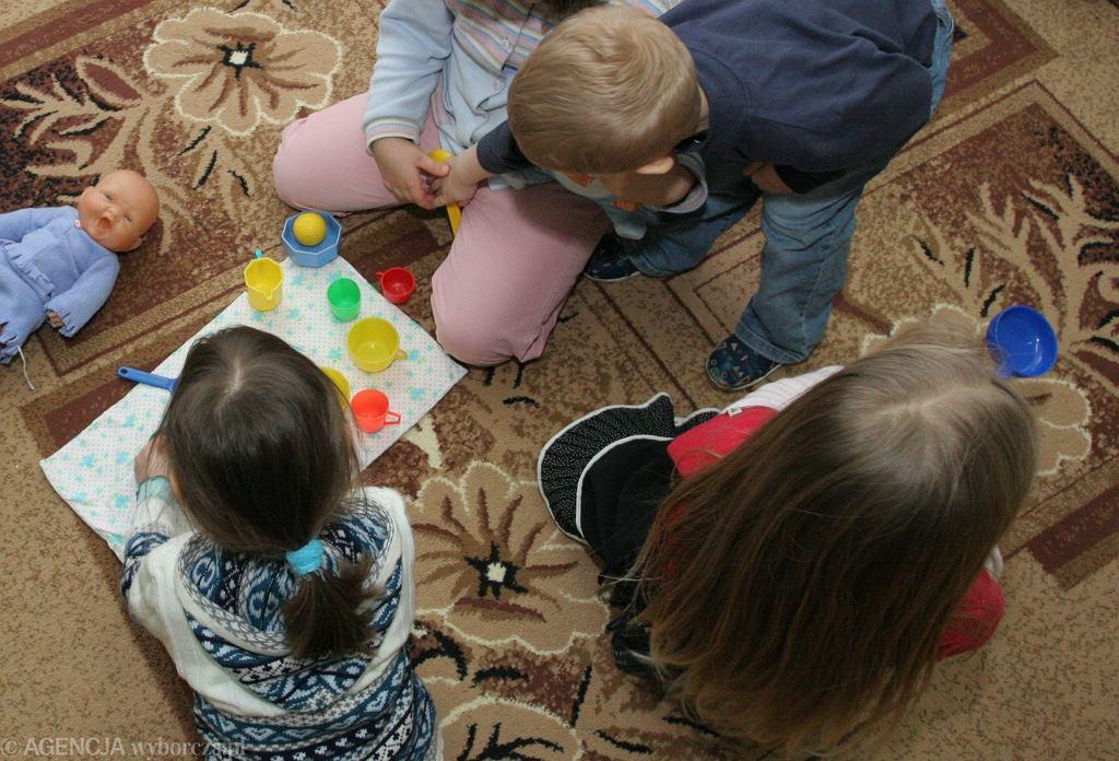 Prokuratura zajmie się przedszkolanką, która miała się znęcać psychicznie nad dziećmi. Zdjęcie ilustracyjne