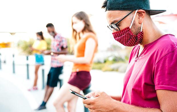 Prosta wiadomość tekstowa, która zachęciła do szczepień 26 procent adresatów