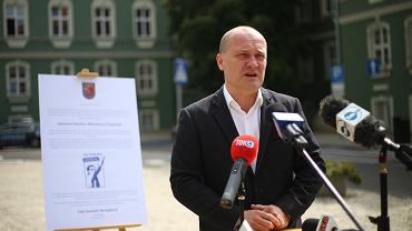 Prezydent Piotr Krzystek opowiada o kampanii zachęcającej do udziału w wyborach.