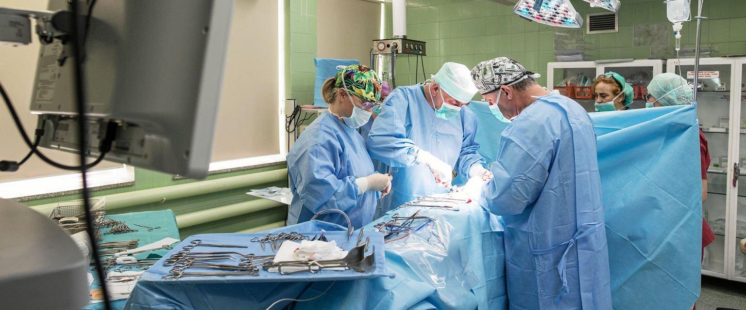 Operacja w Wojewódzkim Szpitalu Specjalistycznym w Lublinie (zdjęcie poglądowe) (fot. Jakub Orzechowski/AG)