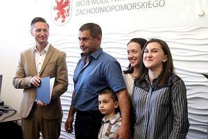 Ukraiński bohater, który ratował ludzi na autostradzie A6, boi się, że będzie musiał z rodziną opuścić Polskę