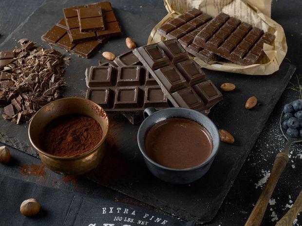 Ile kosztuje czekolada i dlaczego tak tanio? Za mleczną płacimy przeciętnie 3,66 zł