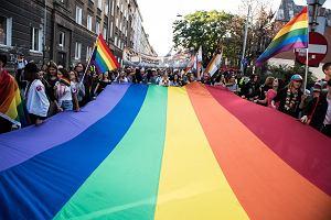 nauczycielka lesbijek uwodzi swojego ucznia