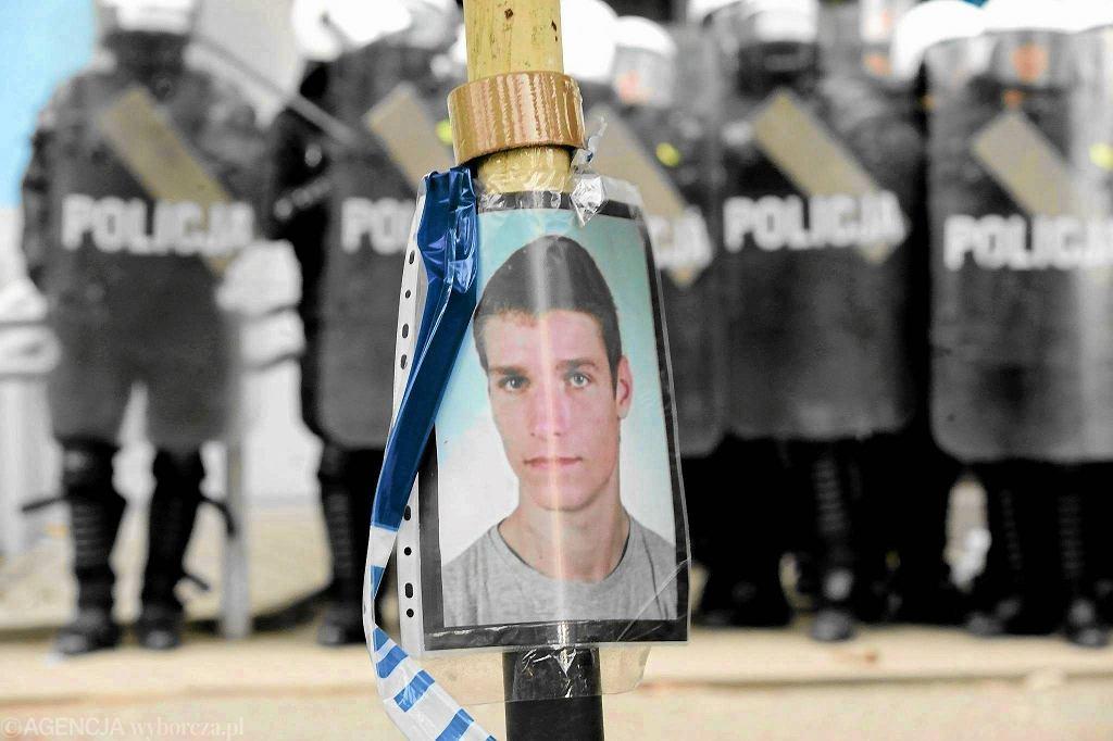 Igor Stachowiak zmarł na komisariacie na Trzemeskiej