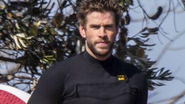 Smutny Liam Hemsworth w Australii