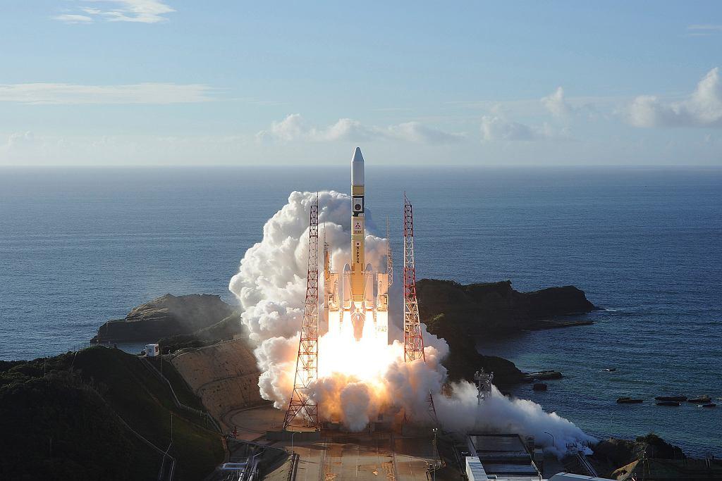 Start rakiety z sondą Amal.