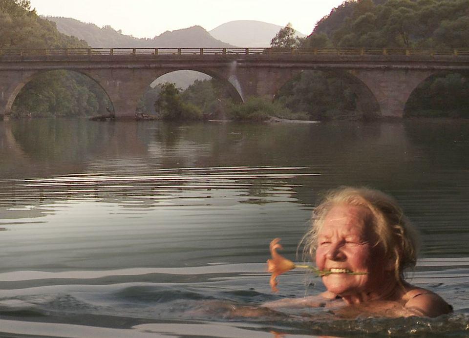 Kadr z filmu 'Wszystko jest możliwe'