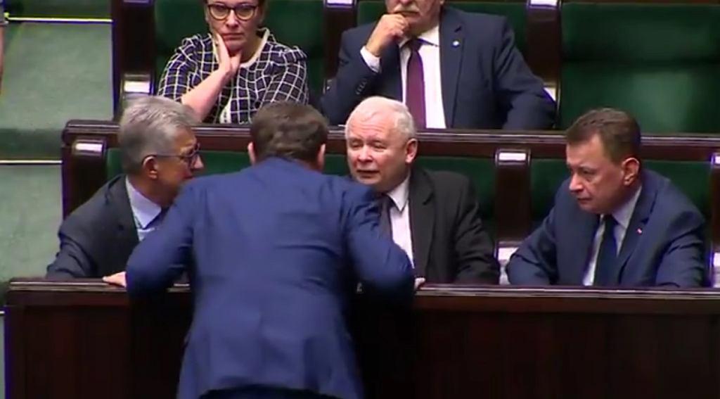Jarosław Kaczyński, Dominik Tarczyński