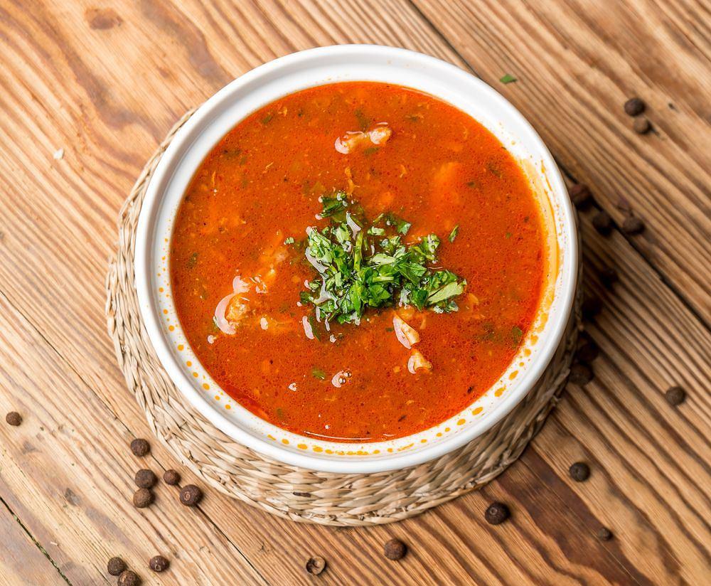 Zupa gołąbkowa to prostsza alternatywa dla tradycyjnych gołąbków.