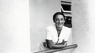 Zuzanna Ginczanka, wlasc. Zuzanna Polina Gincburg (1917-1944) - polska poetka pochodzenia zydowskiego.