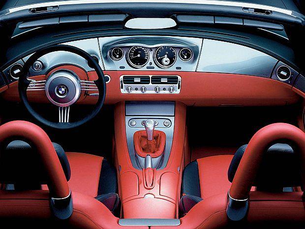 Za stylizację wnętrza odpowiedzialne byli Mike Ninic (Head of Interior Design) i Bruno Amatino (szef MINI Design)