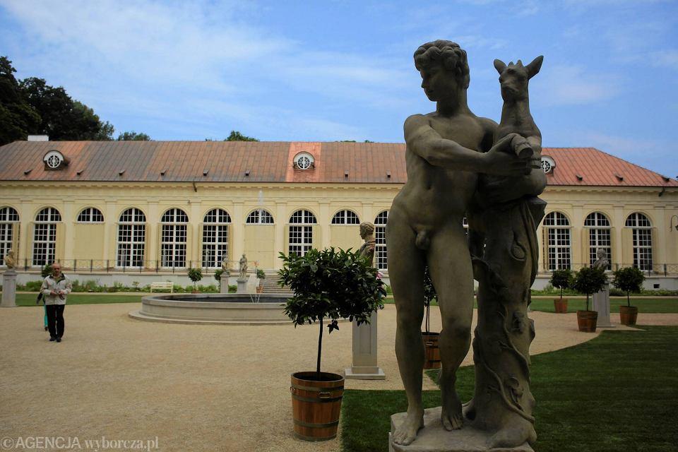 łazienki Królewskie Powrót Rzeźb Do Starej Pomarańczarni