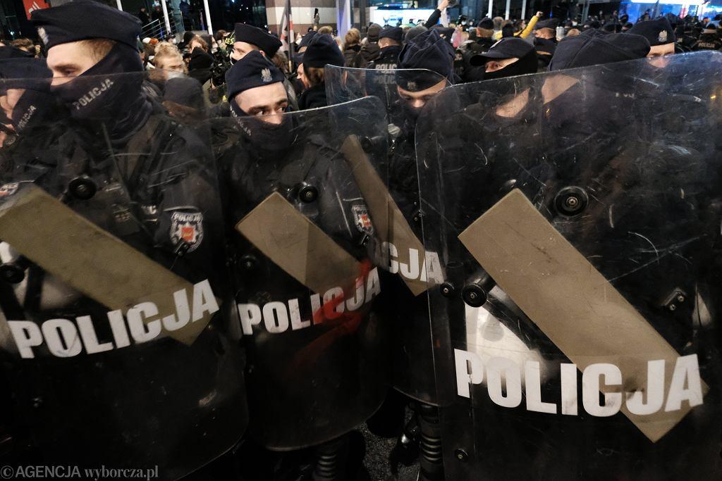 Blokada Sejmu zorganizowana przez Strajk Kobiet w Warszawie