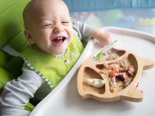 BLW. Dziecko karmisz łyżeczką? Ekspertka: Nie jest potrzebna. Zobacz ulepszyć dietę dziecka