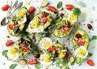 Awokado na przekąskę - z jajkiem i parmezanem albo w zielonej sałatce z komosą