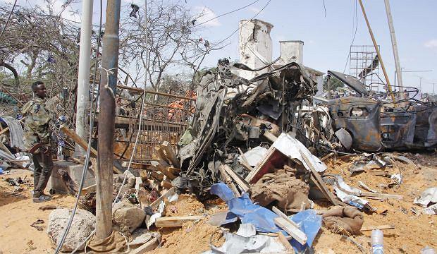 Co najmniej 73 osoby zginęły w krwawym zamachu w stolicy Somalii