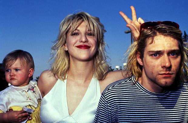 NIRVANA, CURT COBAIN AND COURTNEY LOVE WITH BABY AT THE MTV AWARDS 1993.  CPS/  *RESTRICTED*   CURT COBAIN AND COURTNEY LOVE   24th February 1992 - Kurt Cobain and Courtney Love marry in Waikiki.fot. Avalon/REPORTER