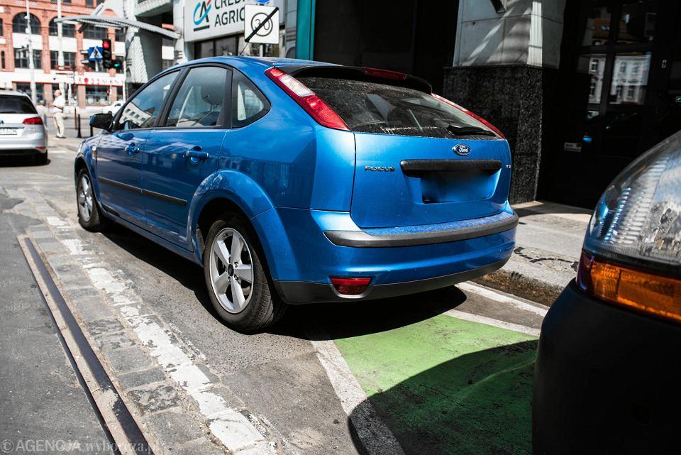 Parkowanie na zielonych kopertach dozwolone czy nie? Sąd musi znów zająć się sprawą