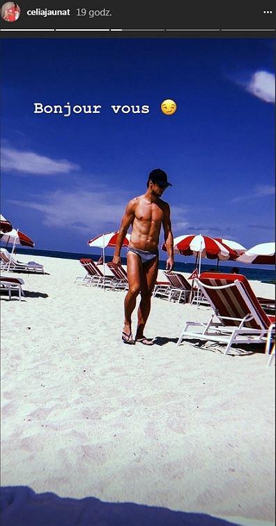 Półnagi Grzegorz Krychowiak odpoczywa na plaży w Miami