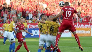 Damian Paszliński strzela gola dla Widzewa