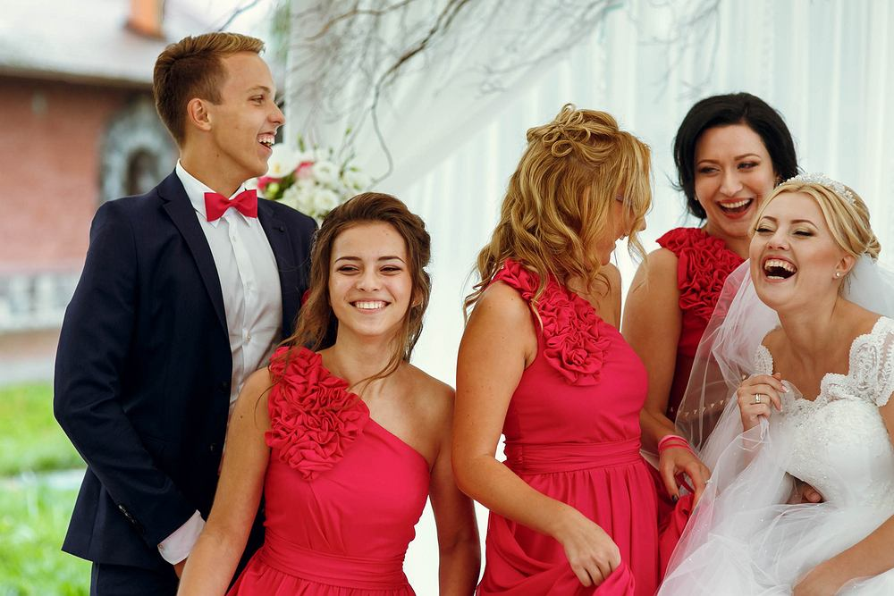 Fryzury na wesele. Zdjęcie ilustracyjne