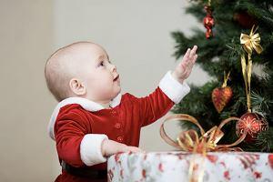 Prezenty dla dzieci na Święta, czyli co kupić niemowlęciu?