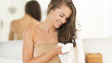 Płukanki do włosów - czy to skuteczna alternatywa dla profesjonalnych kosmetyków?