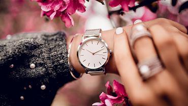 Zegarki damskie to bardzo eleganckie i stylowe dodatki. Zdjęcie ilustracyjne, Dmitri Gromov/shutterstock.com