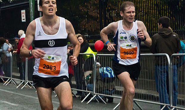 Serce w galopie podczas biegu to nic dziwnego, ale w spoczynku? Po dłuższej przerwie w wysiłku?