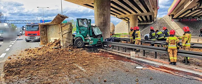 Śmiertelny wypadek na A4 w okolicach Krakowa. Duże utrudnienia w ruchu