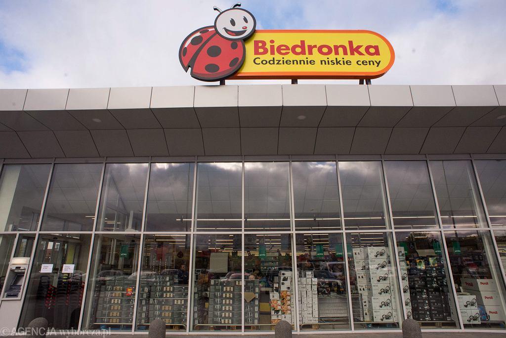 'Bon do sklepu Biedronka'. Internetowi oszuści próbują wyłudzać dane