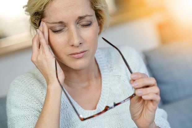 Migrena - jak się objawia. Rodzaje migreny i leczenie
