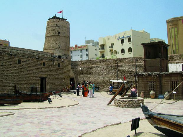 Fort Al Fahidi to najstarszy zabytek Dubaju, azja, podróże, Podróż do Dubaju: tu wszystko musi być