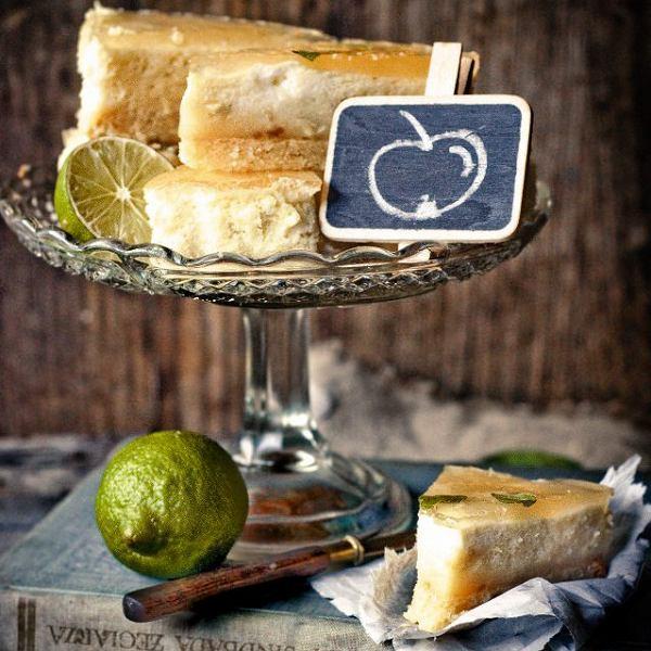 Ciasto migdałowe z musem jabłkowym