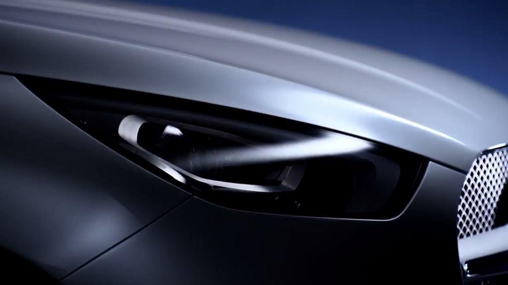 Pickup Mercedesa teaser