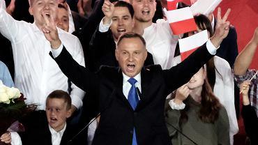 Wybory prezydenckie 2020. Andrzej Duda podczas wiecu w Pułtusku