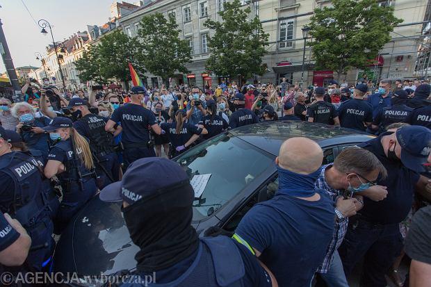 7.08.2020, Warszawa, Krakowskie Przedmieście, zatrzymanie Margot.