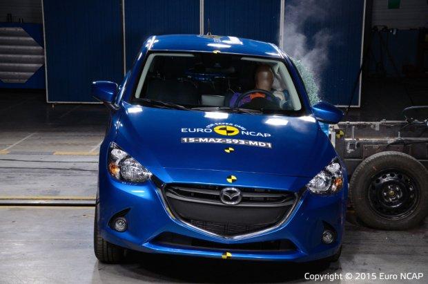 Mazda 2 - test zderzeniowy