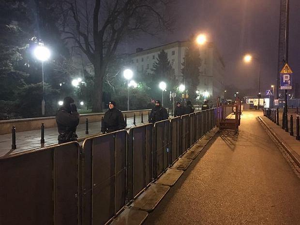 Barierki przed Sejmem