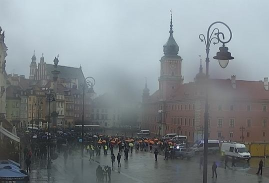 Protest branży fitness na Placu Zamkowym w Warszawie