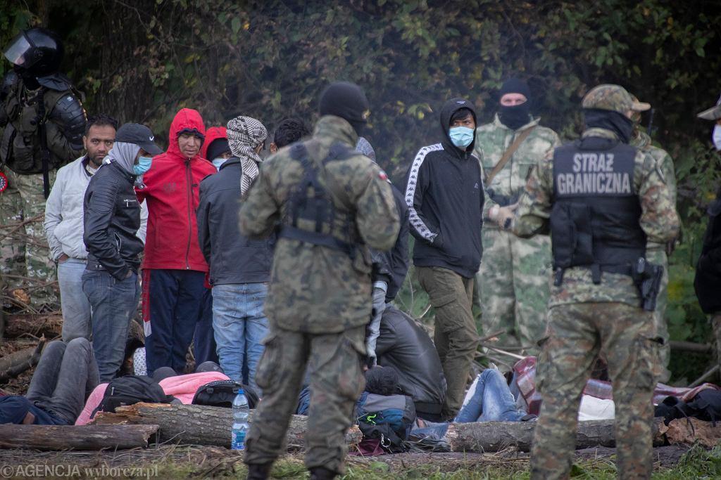 Uchodźcy na granicy polsko - białoruskiej w Usnarzu Górnym.