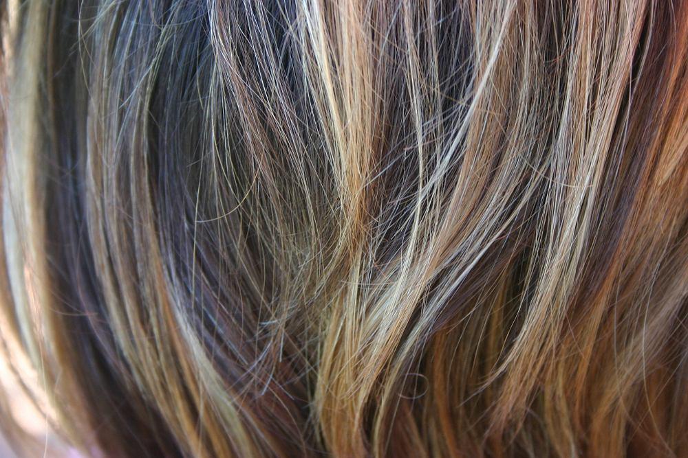 Flamboyage to technika koloryzacji włosów, która daje bardzo naturalny efekt