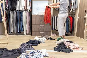 Bulwersujący raport UOKiK o sprzedawcach odzieży. Firmy bezkarnie kiwają klientów