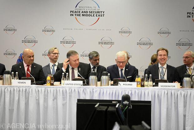Konferencja bliskowschodnia na Stadionie Narodowym w Warszawie.